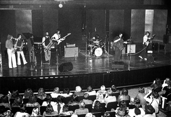 mlgxxxtcpjhrfmimazsrxhhlg_downchild_at_st_lawrence_centre_1972